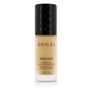 Gucci Lustrous Glow Foundation SPF 25 - #050 (Light)
